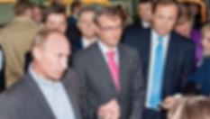 Владимир Путин, Герман Греф и Александр Волков на «Ижавто»