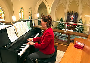 piano christmas music.jpg