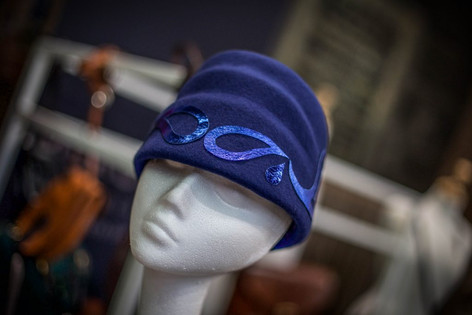 1930's blue felt hat with Paisley Pattern detail