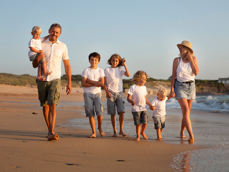 A guide to booking your location family photo shoot - Cornwall family photographer