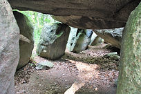 Kammer des Ganggrabes_bCS.jpg