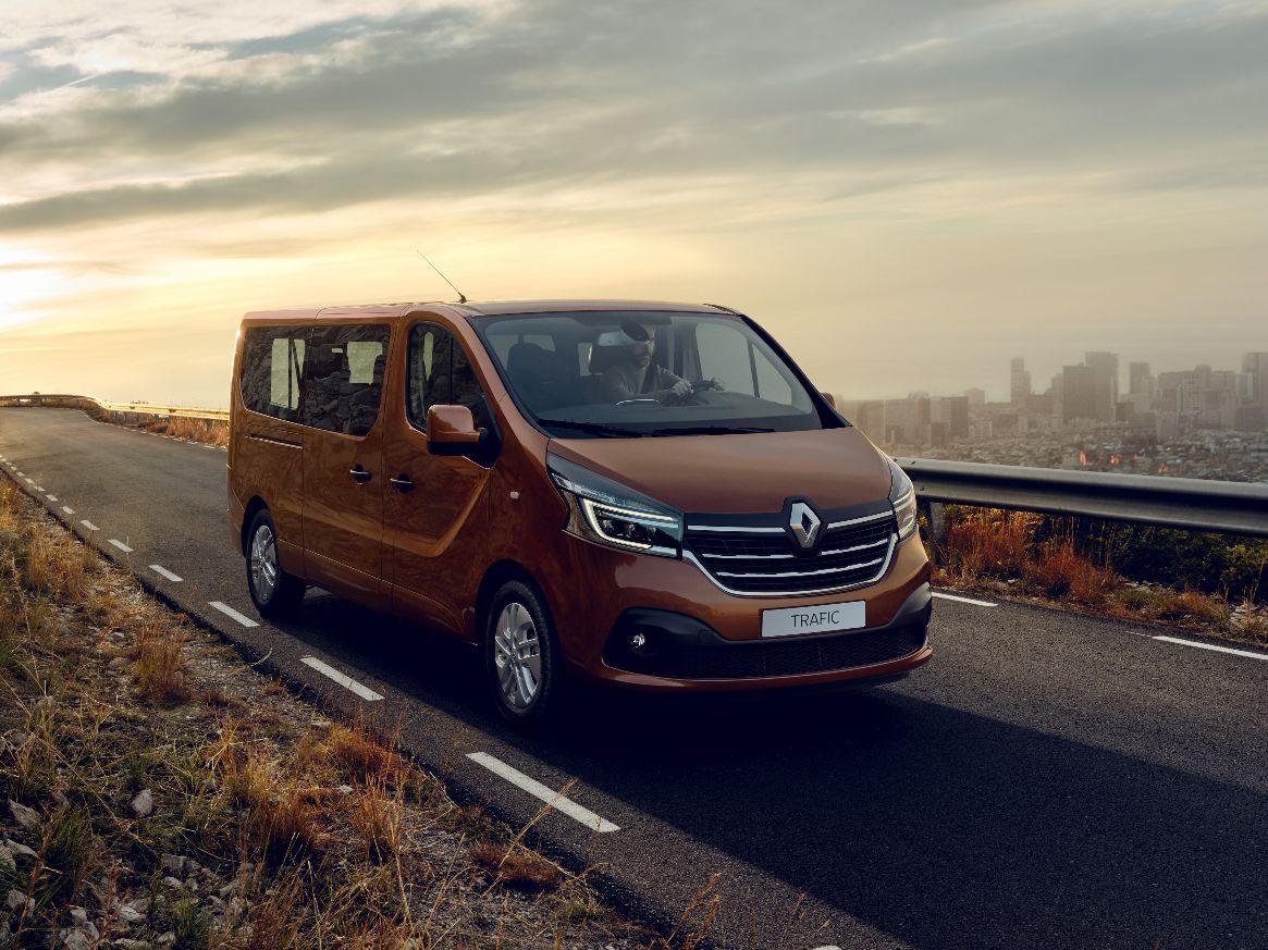 21224936_2019_-_New_Renault_TRAFIC