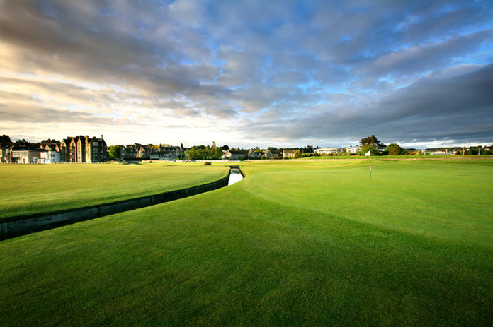 4. Old Course - 1st green.jpg