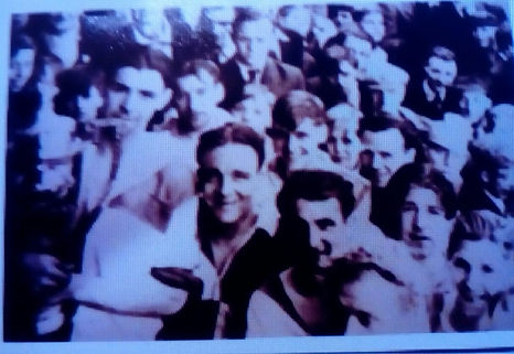 1954 ray hill Players an supporters of S