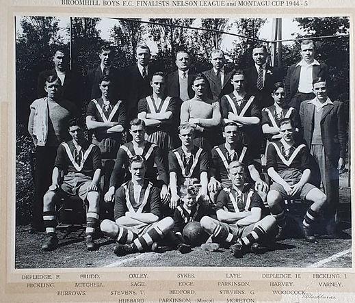 1945 best team photo.jpg