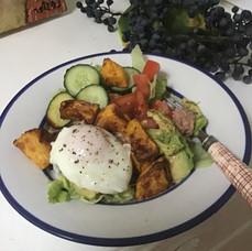 Tuna Salad w/poached egg