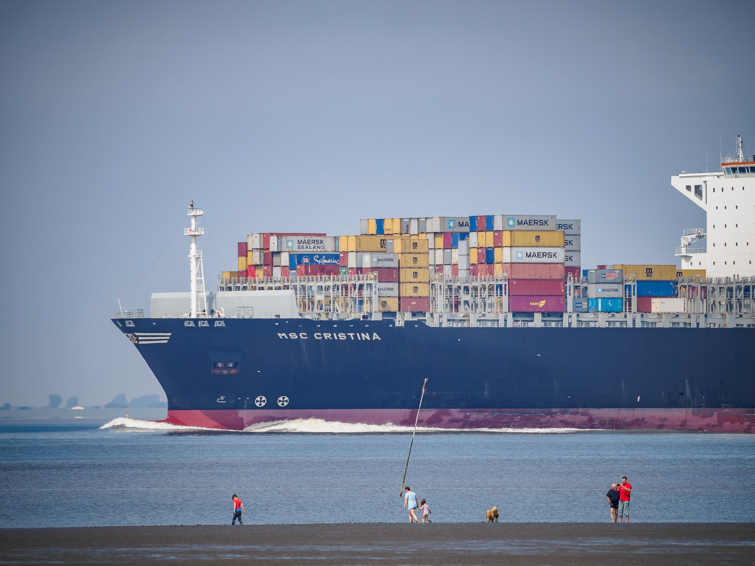 container ship Elbe