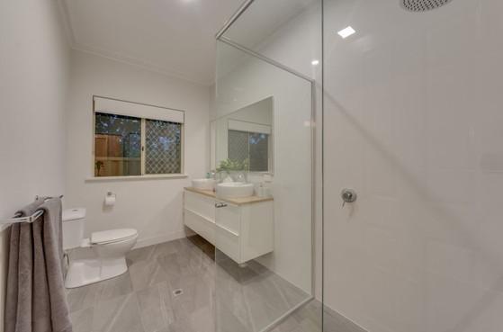 9 Tennyson St Leederville Bathroom