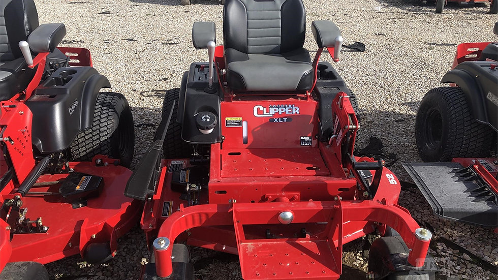 2021 COUNTRY CLIPPER XLT C305 SERIES MOWER