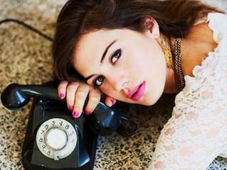 Раз он не пишет, не звонит-значит, ему не до меня?.. Как на это реагировать?