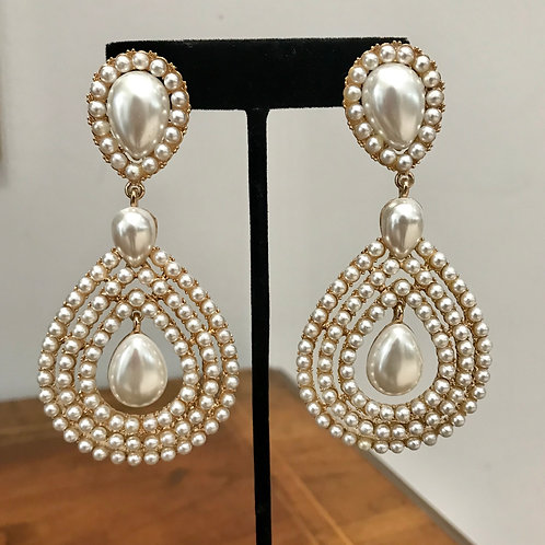 Glam Pearl Clip Ons