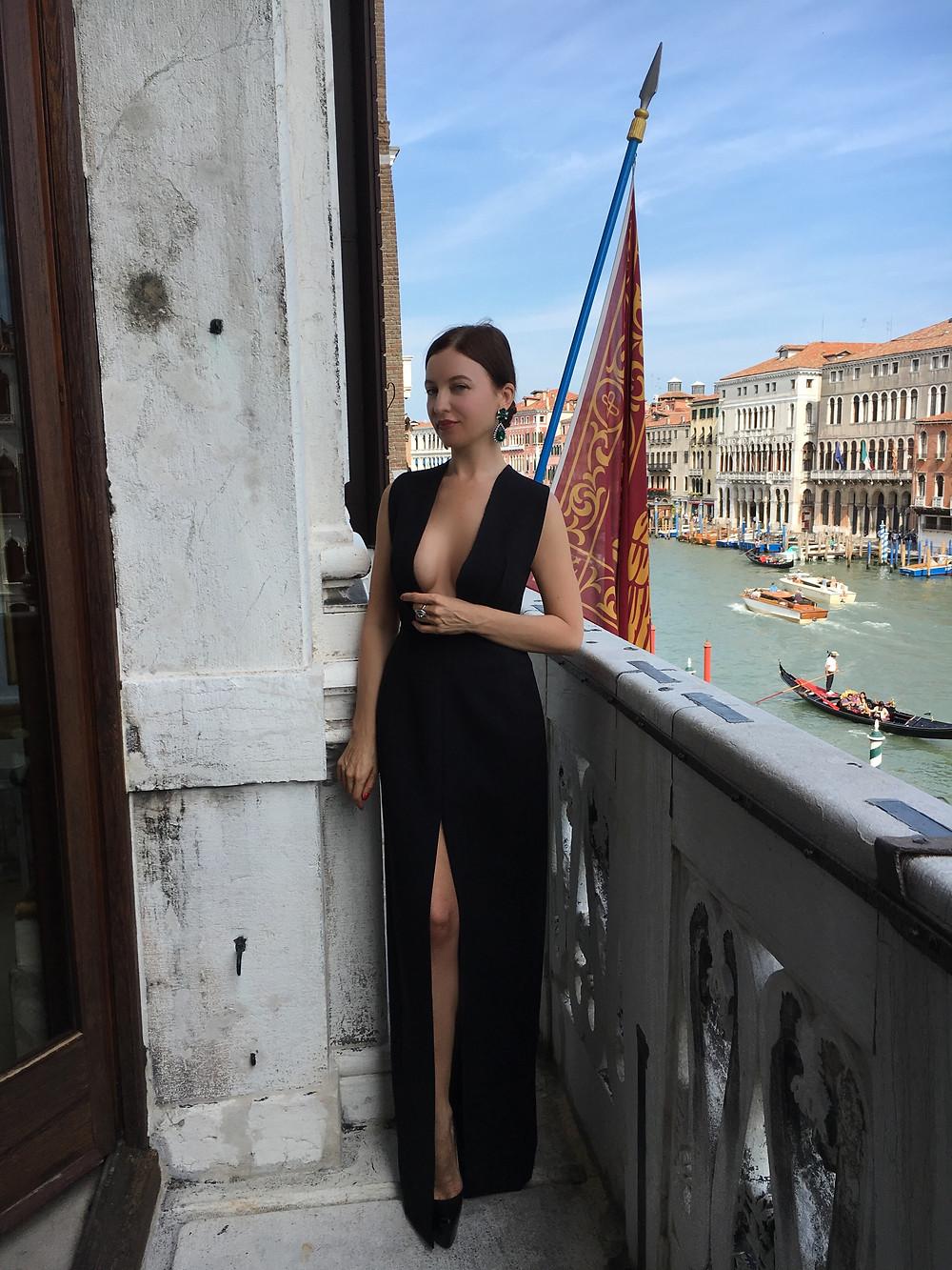 Елена Локк побег в Венецию