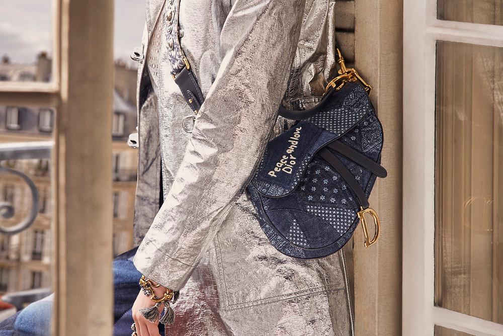В число первых обладательниц новой версии сумки стали Кьяра Ферраньи, Камилла Кабелло, Каролина Даур, россиянка Елена Перминова и многие другие.