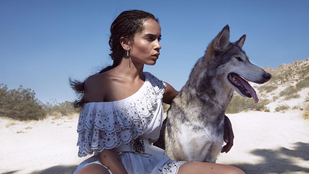 Зои Кравиц снялась в потрясающей фотосессии с волками
