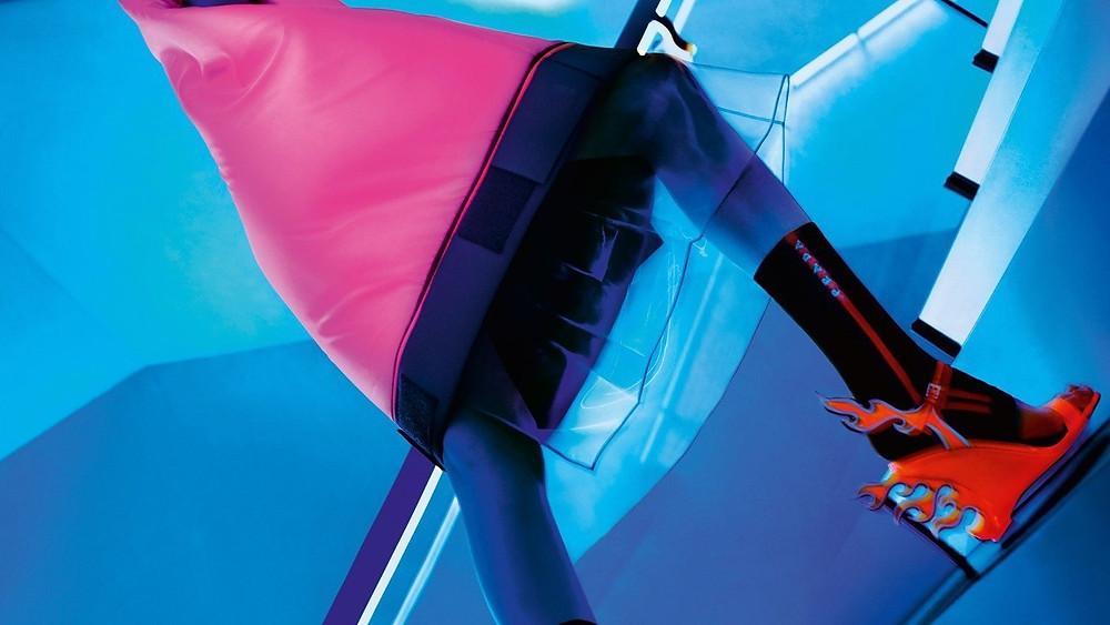 НЕОНОВАЯ ОСЕНЬ: рекламная кампания Prada FW'18-19