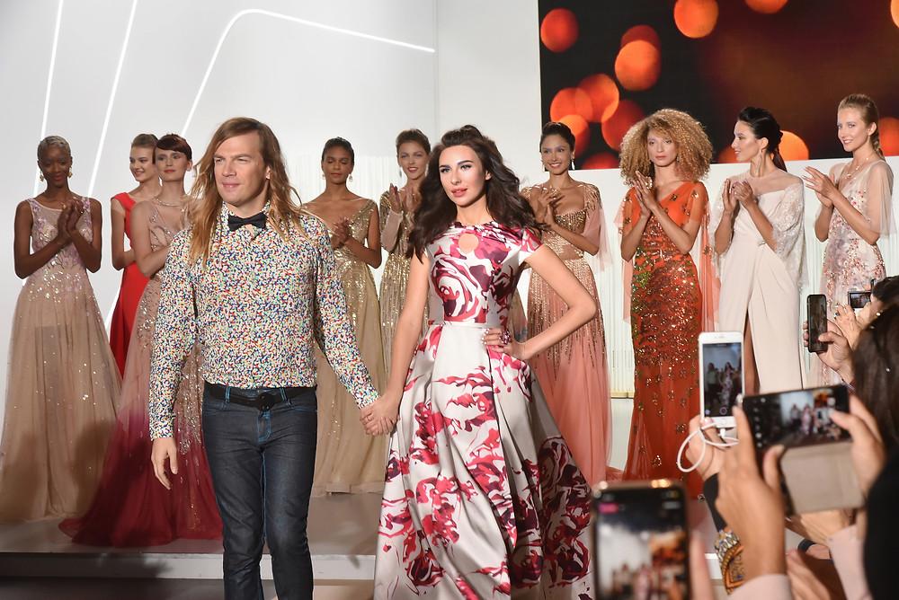Украинская модель Марьяна Воинова закрывает показ Christophe Guillarmé SS'19