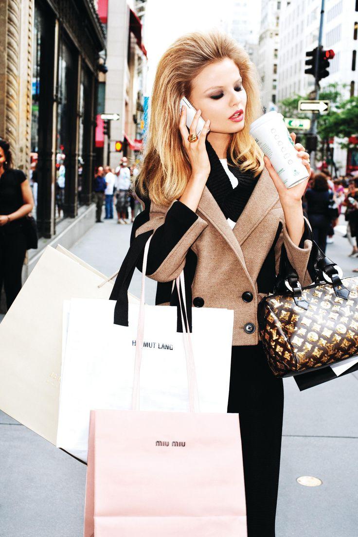 Считается, что брендовые вещи смотрятся значительно лучше, чем одежда, рассчитанная на массового потребителя.