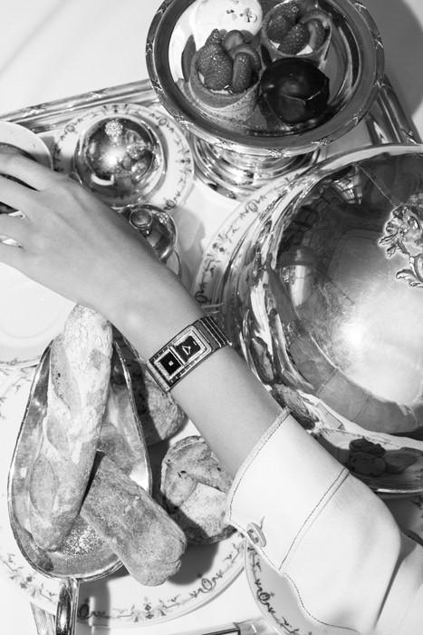 Часы Chanel CoCo Code