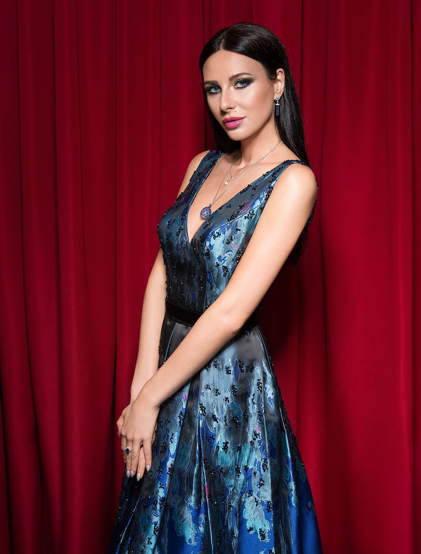 Mariana Voinova dress: Gatti Nolli, jewelry: Faberge