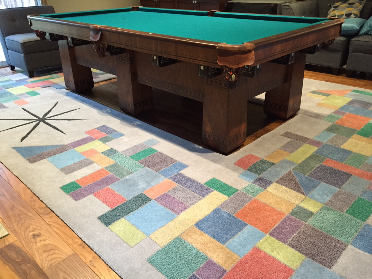 Les Pool Table
