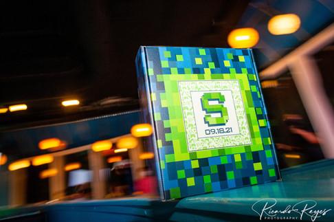 "<img src=""game box favor bar mitzvah"" alt=""Minecraft bar mitzvah, minecraft party, game bar mitzvah, favor box bar mitzvah, custom favors bar mitzvah, green and blue favors bar mitzvah"">"