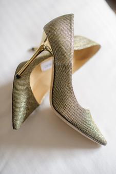 "<img src=""weddingshoes.jpeg"" alt=""bridal shoes, jimmy choo, gold heels, bridal shoes, wedding shoes, wedding details, gold wedding shoes"">"
