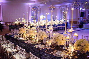Fancy Formal White Flowers Blue Tableclo