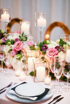 "<img src=""weddingcandleholder.jpeg"" alt=""wedding table decor, gold candle holder, candle lit wedding, candles wedding table, black napking wedding, black flatware wedding, square candles wedding"">"