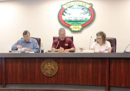 City Council conducts business despite continued absence of Breland and Bumpers