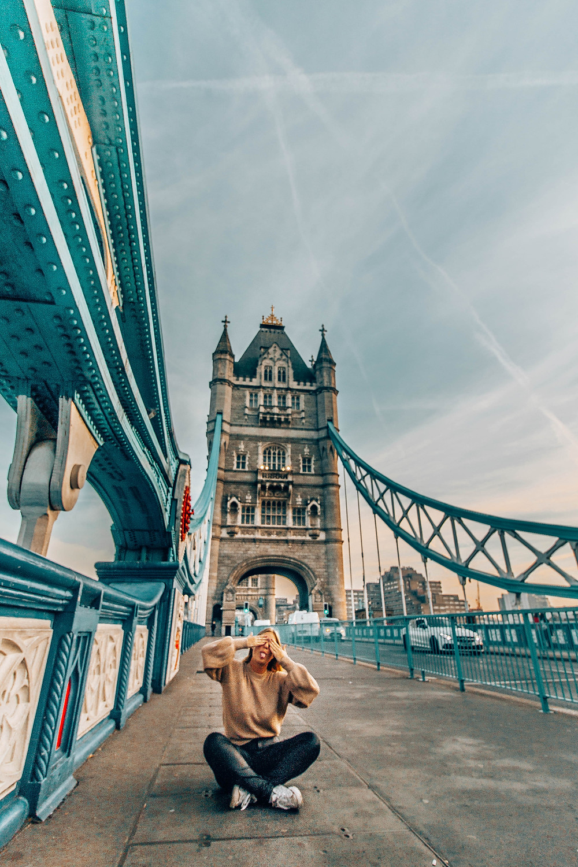 tower-bridge-london-instagram-spot
