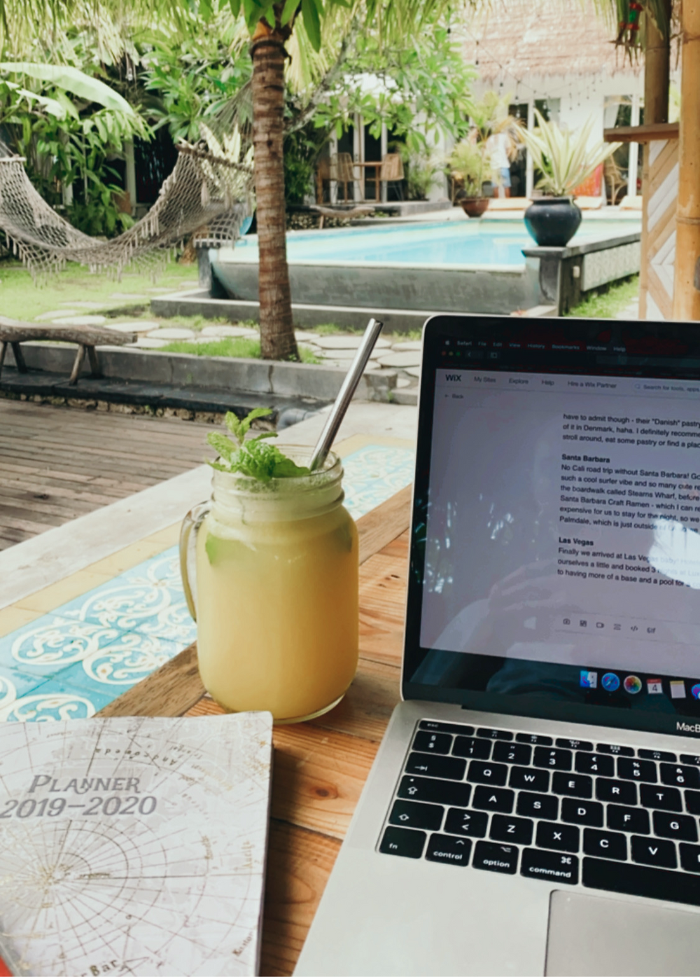 dreamsea Canggu cafe with pool digital nomad work