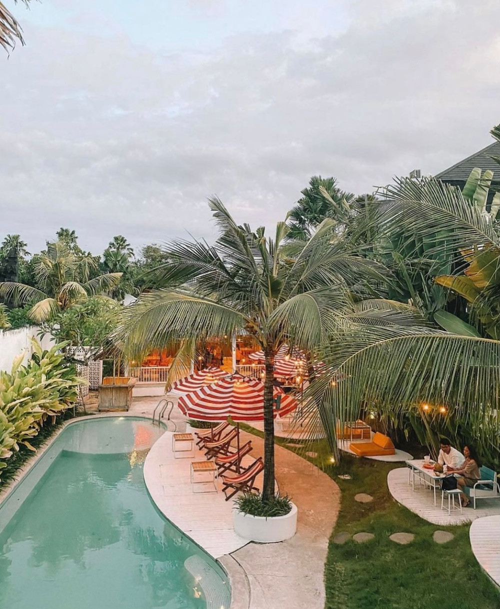 Panama kitchen Bali restaurant with pool and garden