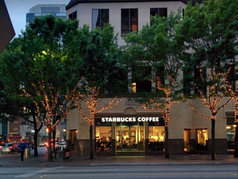 Starbucks | 6th Street