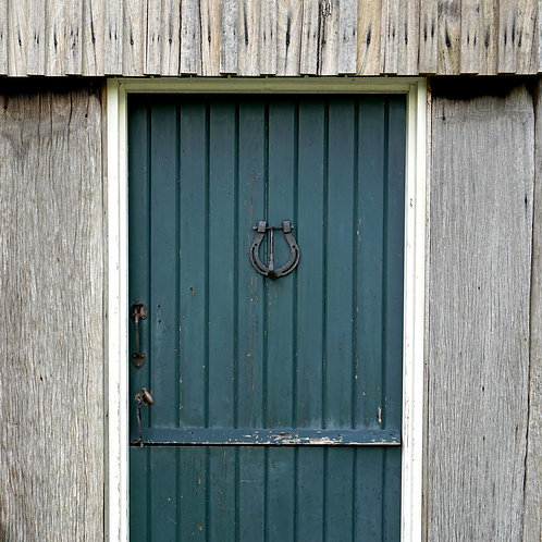 Horse shoe door knocker