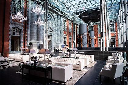 Hotel_atrium-bar-lounge©Royal-Hainaut.j