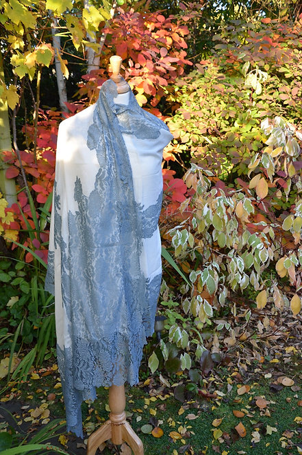 Cashmere wool and lace shawl