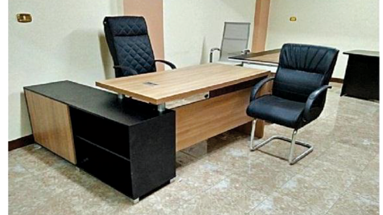 Director Office+ Side Unit + Table 2M