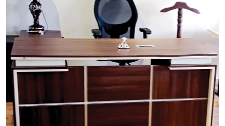 Director Office+ Side Unit