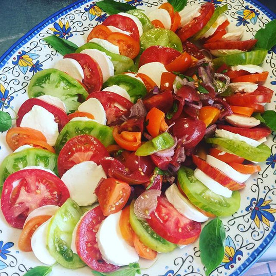 Hairloom tomato mozzarella salad