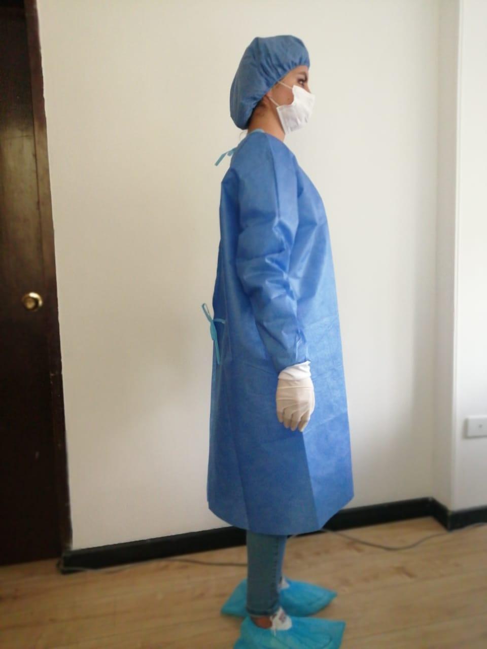 batas quirúrgicas en tela SMS