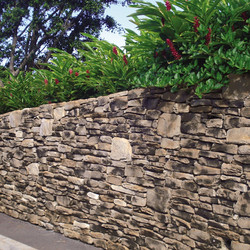 _Media_Default_In_piration_20Gallery_Stone_Cultured-Stone-Wall-03