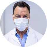 dentist-wearing-surgical-mask-in-dental-