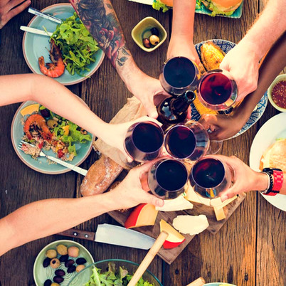 group-of-people-dining-concept-P5XVDYM.j