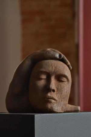 _Entorno__Escultura em argila fundida em pó de ferro.jpg