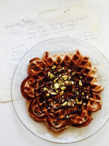 Wafels met chocolade en pistachenoten