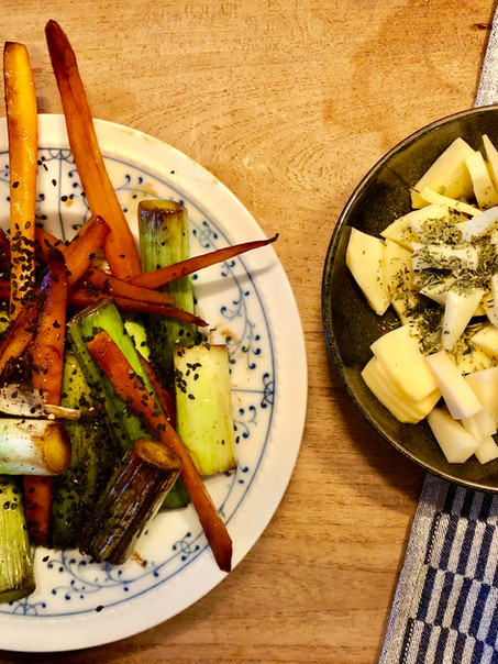 Easy veggie sides: wortel/prei met zwarte sesam en gember & koolrabi met manchego