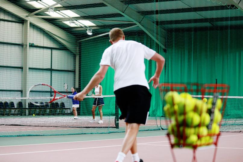 Venue 360 - 4 outdoor & 2 indoor tennis courts