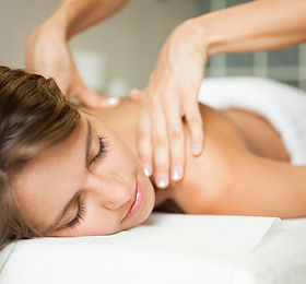 massage sports injury beauty treatment.j