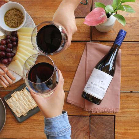 フードランドファームズに新ワインコーナーが登場! おいしくてリーズナブルなワイン選びは卓越ソムリエチームにお任せ