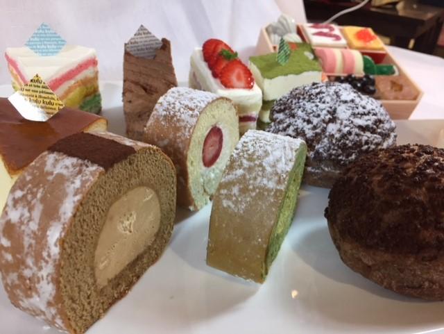 人気のケーキも日本の味です。